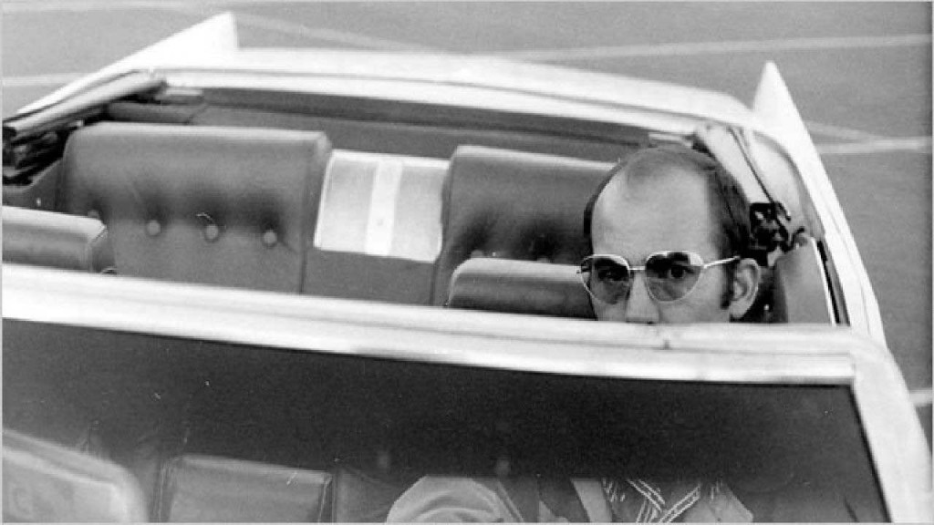 Gonzo-The-Life-and-Work-of-Dr.-Hunter-S.-Thompson1
